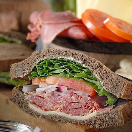 パストラミビーフサンドイッチ